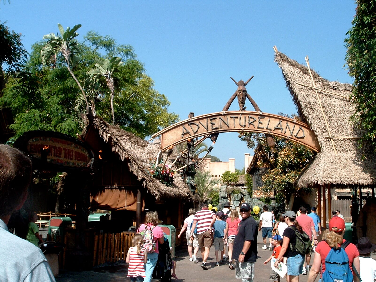 Adventureland Entrance Things to do in disneyland