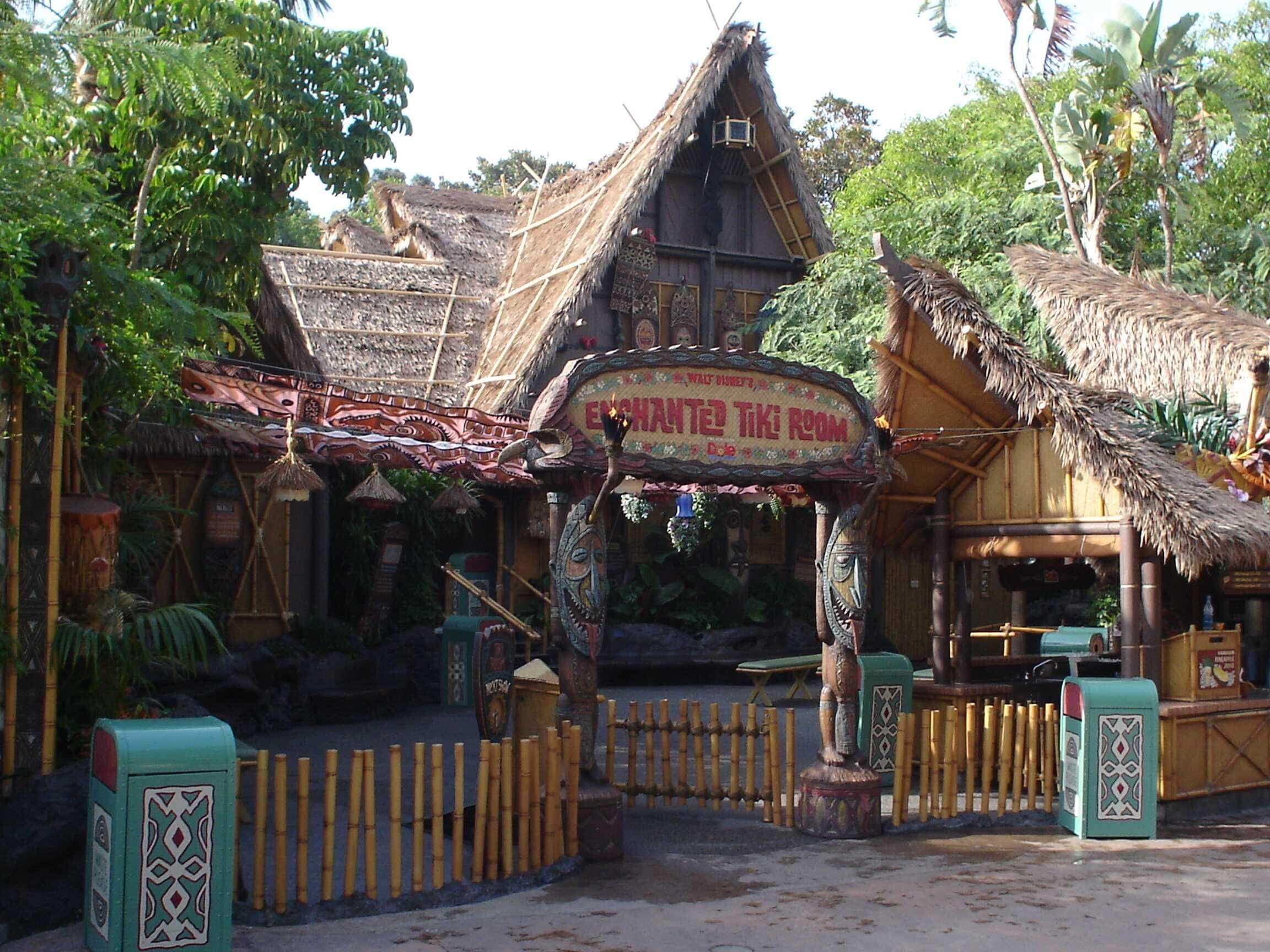 Enchanted Tiki Room Things to do in disneyland