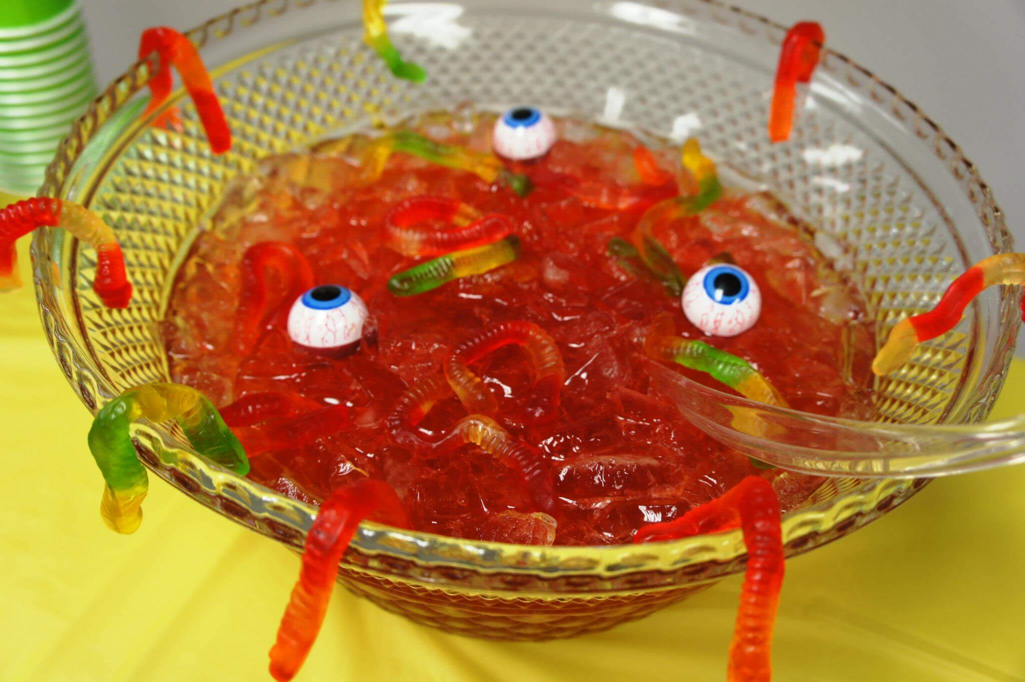 Creepy Halloween Punch with Floating Eye Balls Halloween food ideas