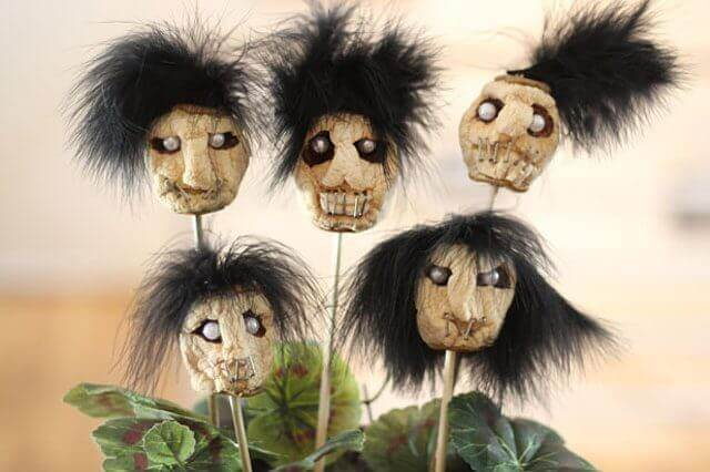 How to make dried apple shrunken heads.