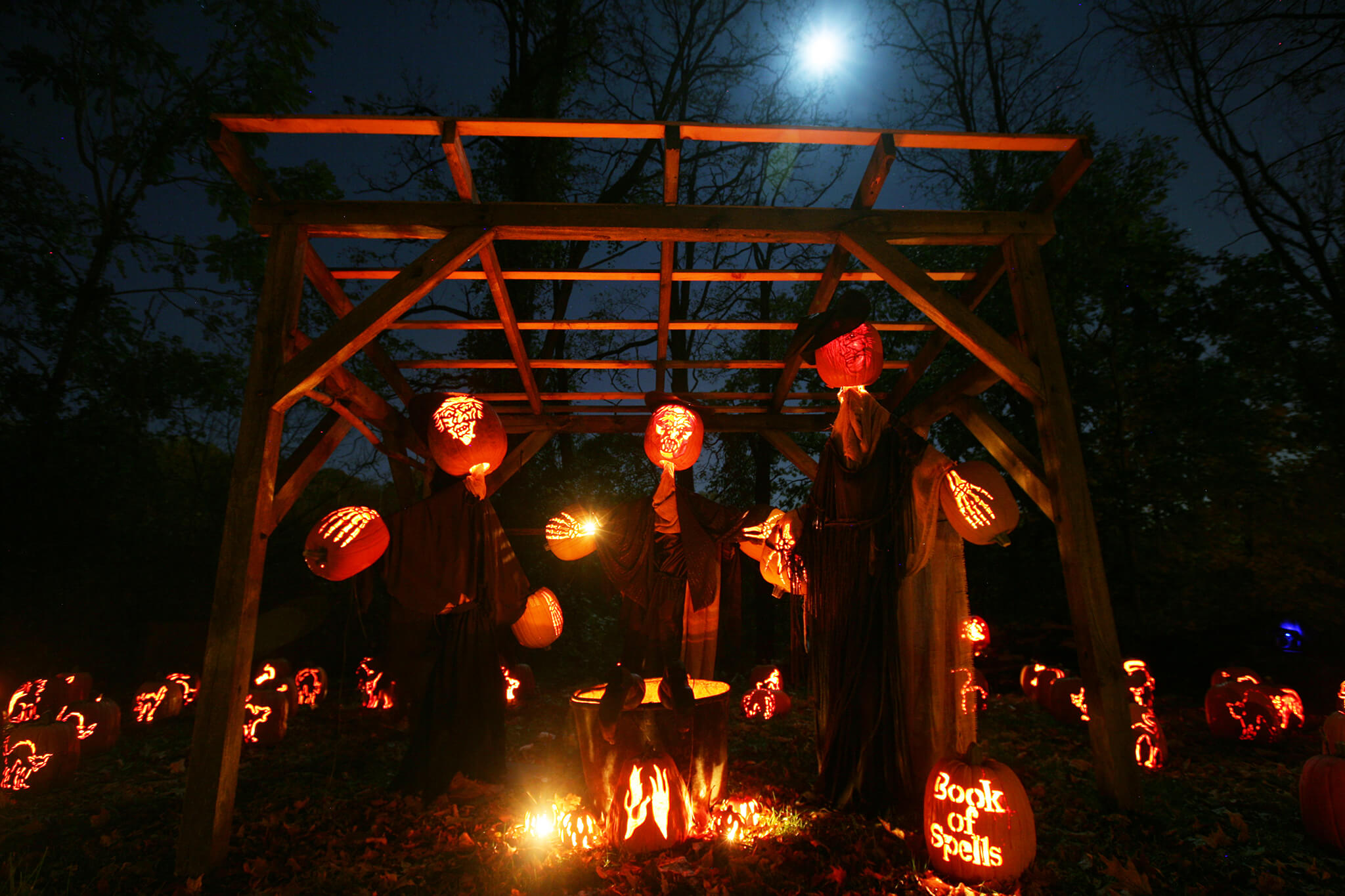 43+ thrilling outdoor halloween decoration