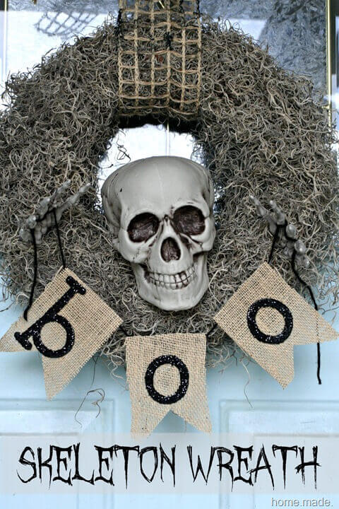 Spooky skeleton wreath.