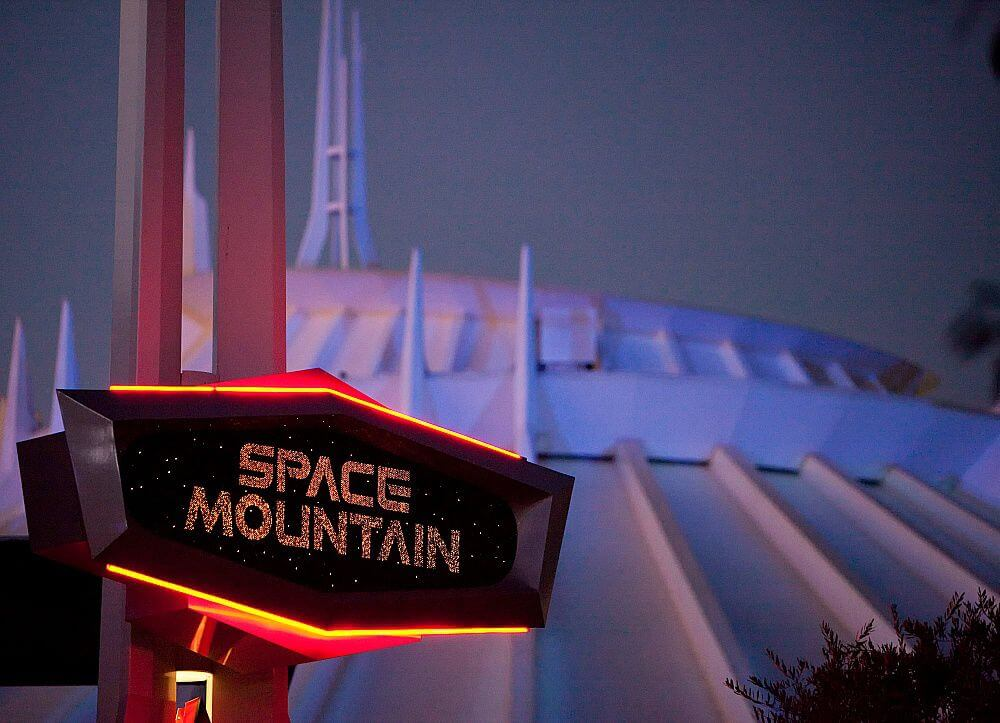 space mountain Things to do in disneyland