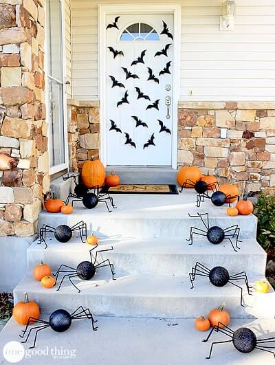 Spiders & bats. Dress up your front door with this simple diy.