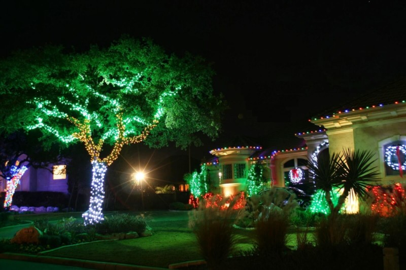 Christmas lights on trees Christmas decorations ideas for home