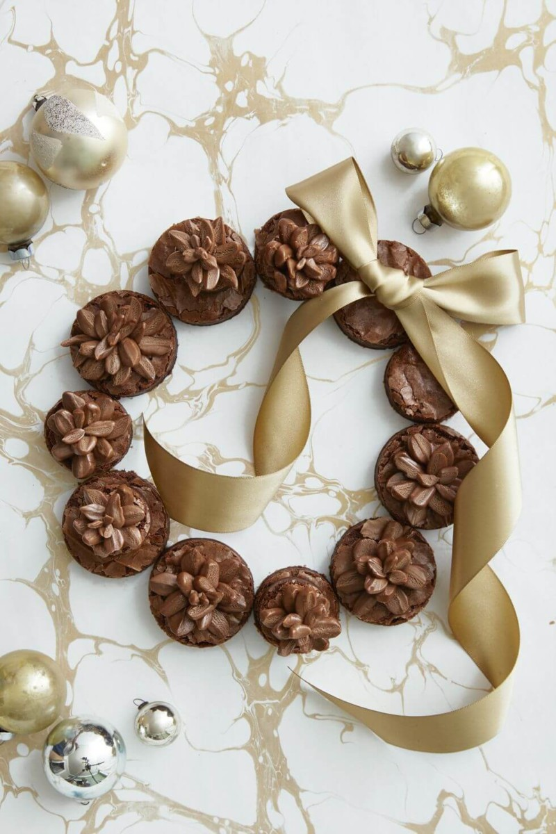 Dessert Pinecone Brownie Wreath Christmas Food Ideas