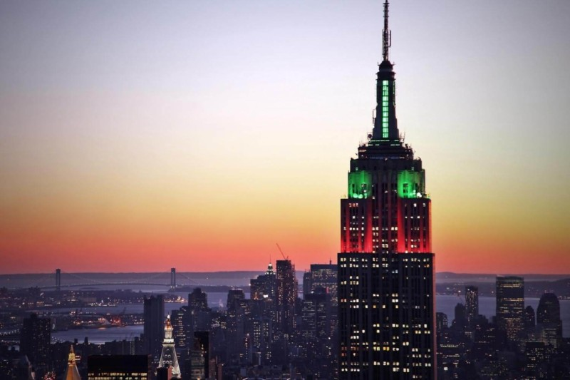 Empire State Buildings red and green lights Christmas in New York
