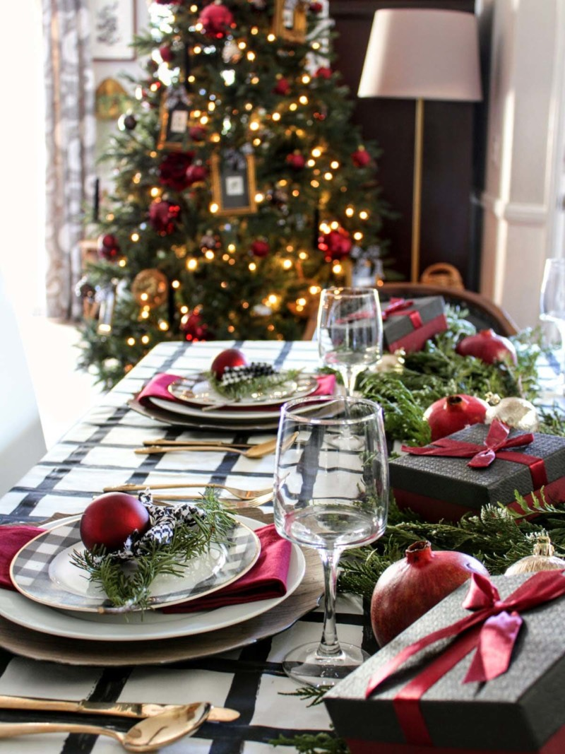 Inspiring Dining Table Christmas decorations ideas for home