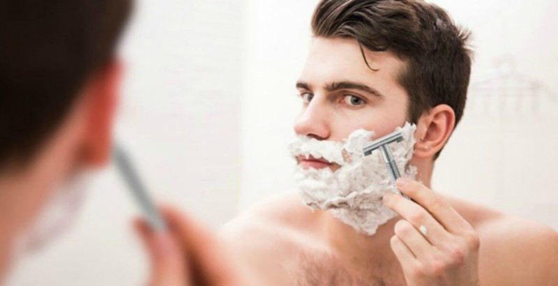 Shaver Things to Pack for Every Solo Traveller