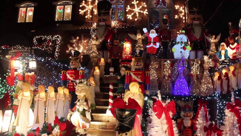 The Dyker Heights Christmas Lights Christmas in New York