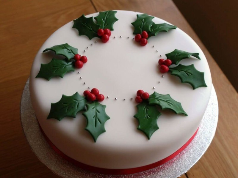 christmas cake ideas classic leaves