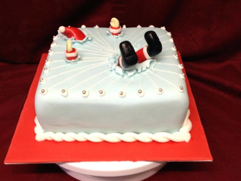 christmas cake ideas drowned santa