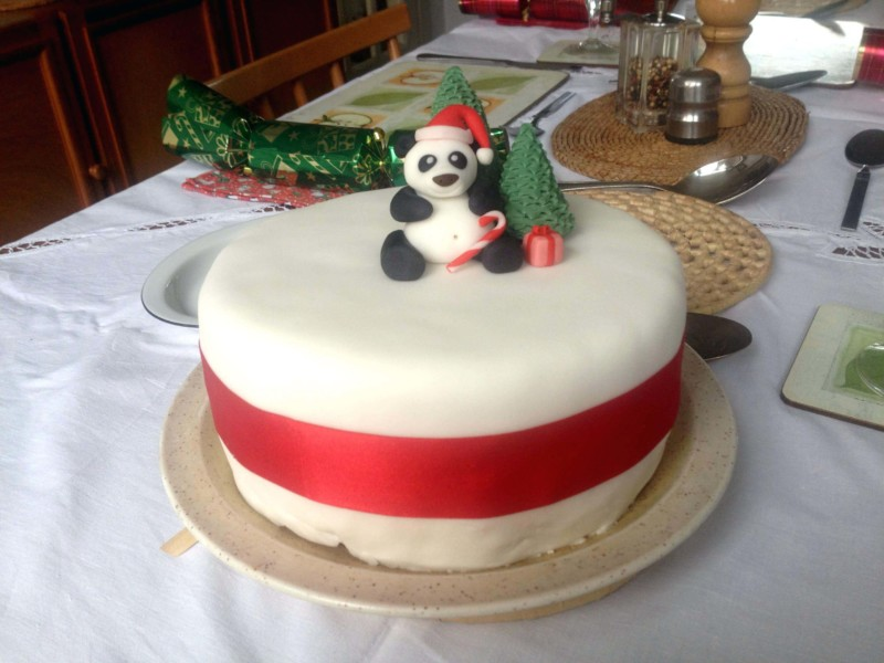 christmas cake ideas panda topping
