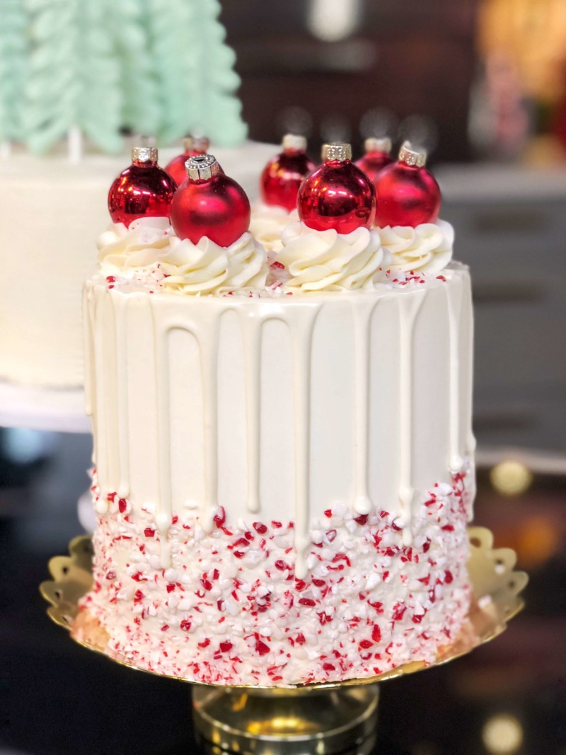 christmas cake ideas red white