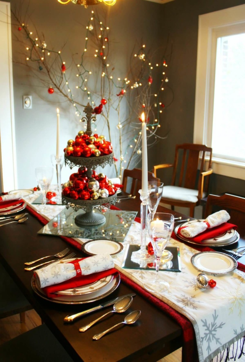 dining-table ball candlelight Christmas decorations ideas for home