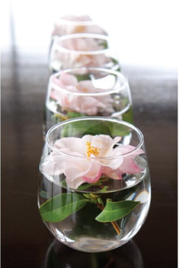 Flower Floating on Water Wedding Centerpieces