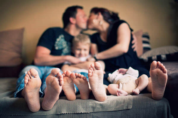 happy feet family Family Photo Shoot Idea